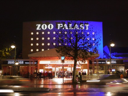Zoo Palast by night