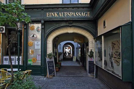 Raimundhof-Passage